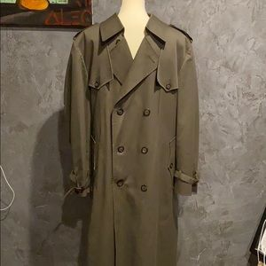 Dior authentic size 40r trench coat. Mint